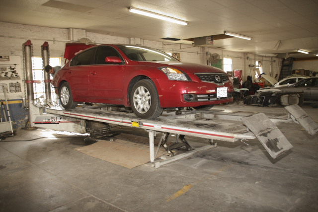 Auto body repair on lift